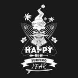 Nuevo emblema monocromático feliz del año que practica surf imágenes de archivo libres de regalías