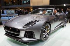 Nuevo F-tipo 2017 de Jaguar coche del descapotable de SVR foto de archivo