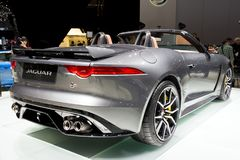 Nuevo F-tipo 2017 de Jaguar coche del descapotable de SVR fotografía de archivo libre de regalías