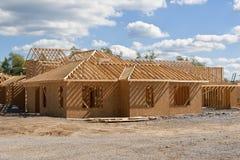 Nuevo hogar bajo construcción. Fotografía de archivo
