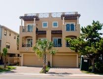 Nuevo hogar de comunidad de la playa Foto de archivo libre de regalías