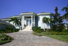 Nuevo hogar en las zonas tropicales Foto de archivo