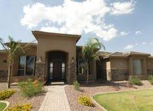 Nuevo hogar grande hermoso en Arizona fotos de archivo libres de regalías