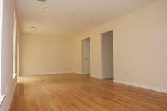 Nuevo interior del condominio   Fotografía de archivo libre de regalías