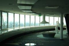Nuevo interior moderno de la torre de Tallinn TV Foto de archivo