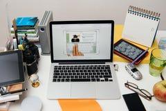 Nuevo iPad de los Apple Computer favorable, iPhone 6s, 6s más y Apple TV Imagenes de archivo