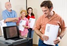 Nuevo máquina que registra y cuenta los votos emitidos Imagenes de archivo
