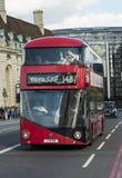 Nuevo omnibus para Londres Fotos de archivo