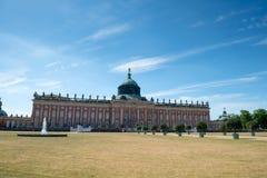 Nuevo palacio - parte de la universidad del campus de Potsdam imagenes de archivo