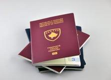 Nuevo pasaporte de Kosovo fotografía de archivo libre de regalías