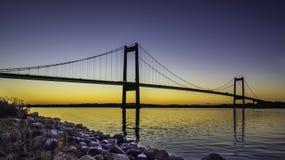 Nuevo pequeño puente de la correa con puesta del sol jpg Imagen de archivo libre de regalías