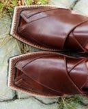 Nuevo Peshawari hecho a mano Chappal [zapato], Paquistán foto de archivo libre de regalías
