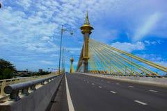 Nuevo puente de Pranangklao Foto de archivo