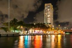 Nuevo río en el pie céntrico Lauderdale en la noche, la Florida, los E.E.U.U. fotos de archivo libres de regalías