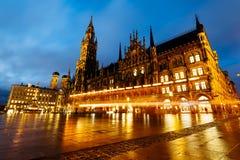 Nuevo Rathaus en Marienplatz, ciudad vieja en Munich Foto de archivo