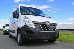Nuevo Renault Master Van blanco imágenes de archivo libres de regalías