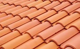 Nuevo tejado con las baldosas cerámicas Imagen de archivo libre de regalías