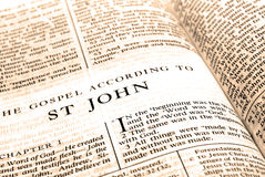 Nuevo testamento San Juan de la biblia Imágenes de archivo libres de regalías