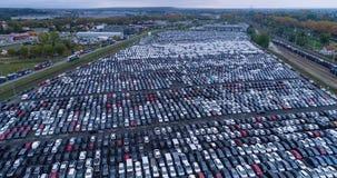 Nuevos aparcamiento y camión Imagen de archivo