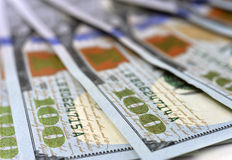 Nuevos 100 billetes de banco 2013 o cuentas de la edición del dólar de EE. UU. Imagen de archivo