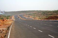 Nuevos caminos de la carretera una nueva cara de la India Imagen de archivo libre de regalías