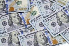 Nuevos 100 cientos billetes de banco de los E.E.U.U. del billete de dólar Foto de archivo libre de regalías