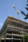Nuevos edificios bajo construcción en ciudad moderna Imágenes de archivo libres de regalías