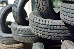 Nuevos neumáticos Fotos de archivo