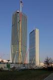 Nuevos rascacielos en CItylife; Milán, Italia imagenes de archivo