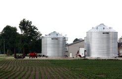 Nuevos silos en granja imagen de archivo libre de regalías