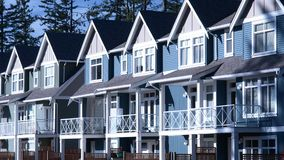 Nuevos Townhomes de las casas de los hogares Imagenes de archivo