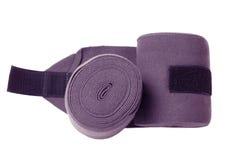 Nuevos vendajes púrpuras de los géneros de punto del caballo aislados en blanco Imagenes de archivo