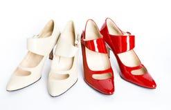 Nuevos zapatos elegantes en un alto talón Fotos de archivo libres de regalías