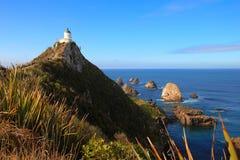 Nugget-Punkt-Leuchtturm, Neuseeland lizenzfreie stockfotografie