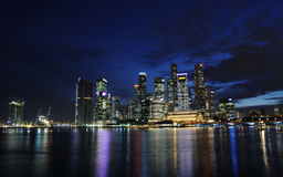 Nuit au fleuve de Singapour Image libre de droits