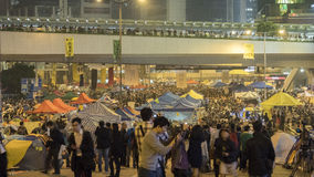Nuit avant le dégagement à la révolution de parapluie - Amirauté, Hong Kong Image libre de droits