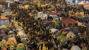 Nuit avant le dégagement à la révolution de parapluie - Amirauté, Hong Kong Photos stock