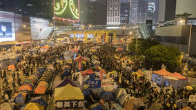 Nuit avant le dégagement à la révolution de parapluie - Amirauté, Hong Kong Images stock