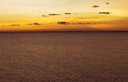 Nuit blanche sur le lac Ladoga Images stock