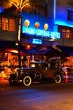 Nuit centrale d'hôtel de stationnement du sud de plage Photo stock
