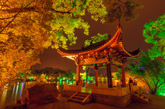 Nuit chinoise de pavillon Photos stock