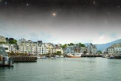 Nuit d'Aalesund Image stock