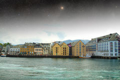 Nuit d'Aalesund Photographie stock