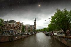 Nuit d'automne d'Amsterdam Éléments de cette image meublés par la NASA Image libre de droits