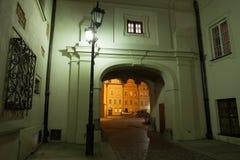 Nuit dans la vieille ville de Varsovie Images stock