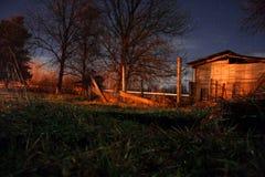 Nuit dans le petit village Photographie stock