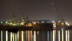 Nuit dans le port Photos stock