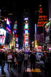 Nuit dans le Times Square, New York City Image stock