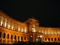 Nuit de bibliothèque nationale, Vienne images stock