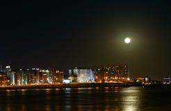 Nuit de bord de la mer Images libres de droits